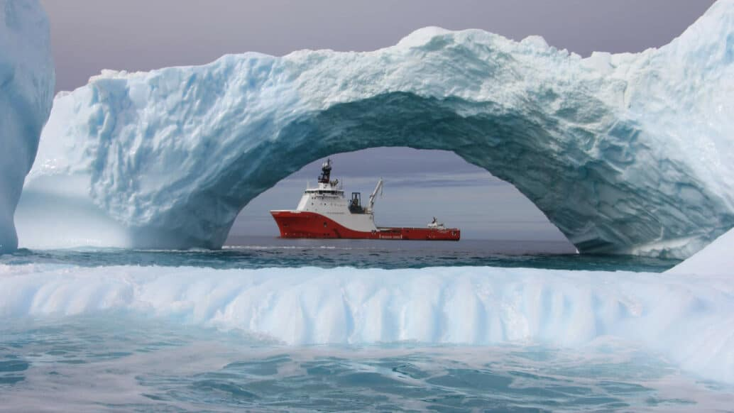 Siem Offshore Vessel in Ice